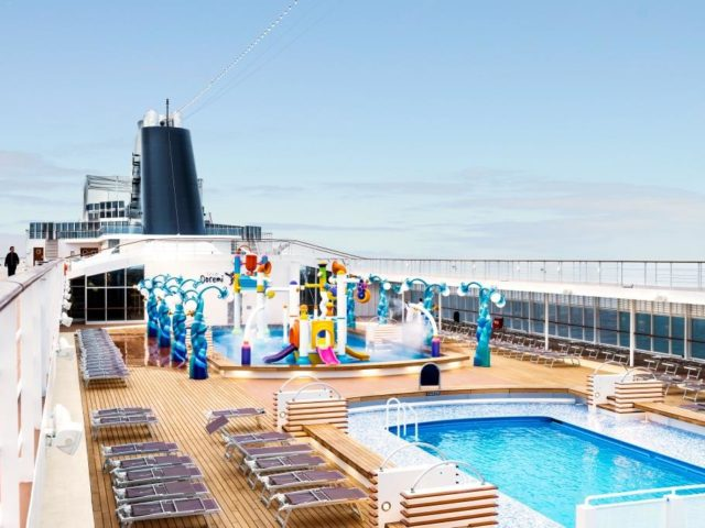 MSC Armonia, Le Piscine and Doremi Spray Park